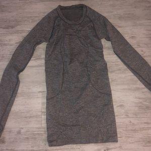 Lululemon Swiftly tech long sleeve shirt